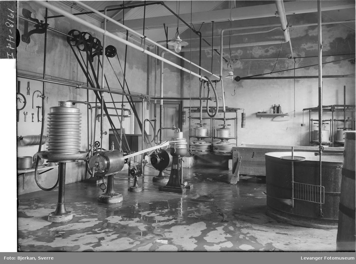 Maskinutstyr på Melkefabrikken IV
