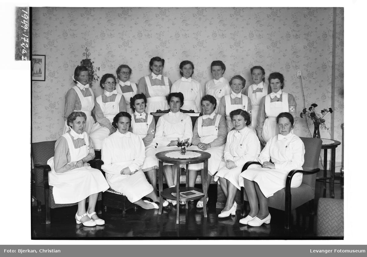 Søstergruppe ved Innhered Sykehus i 1949