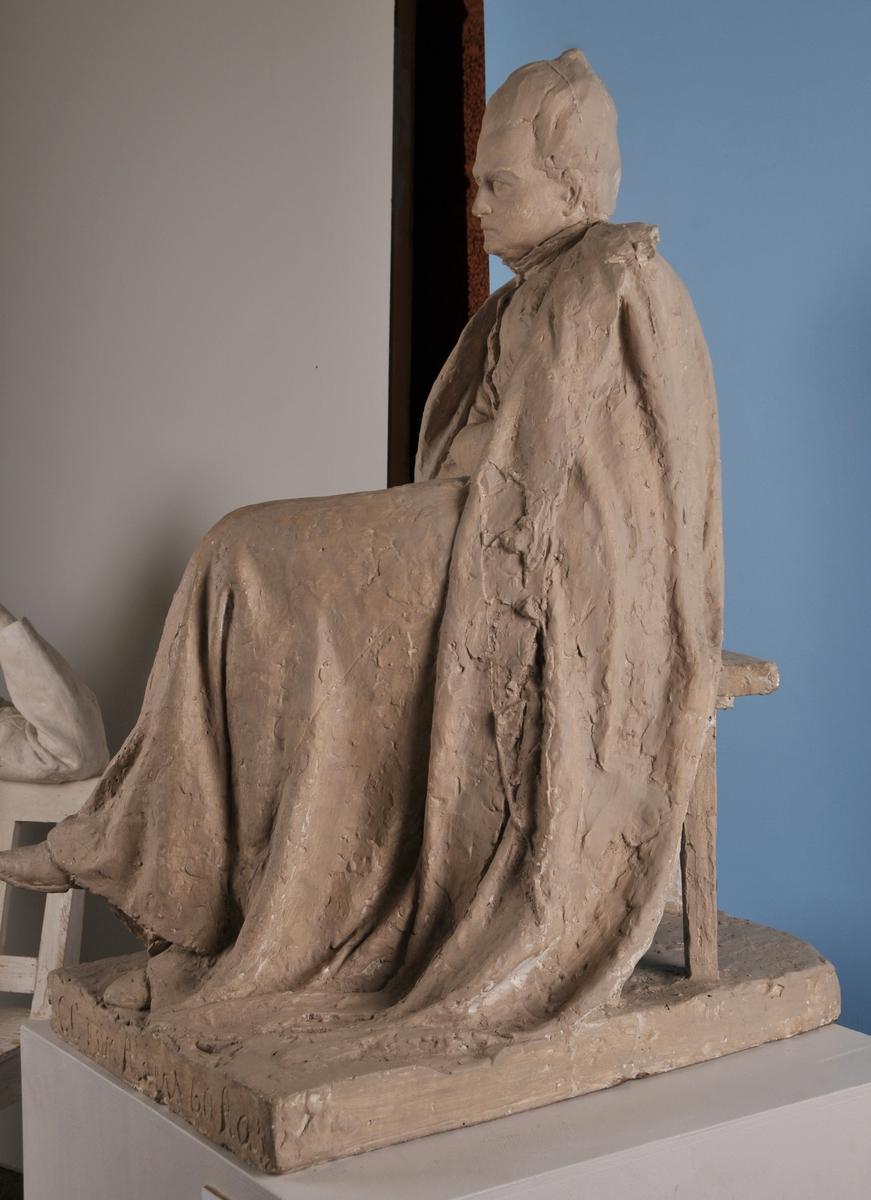 Sitjande kvinne, Camilla Collett.