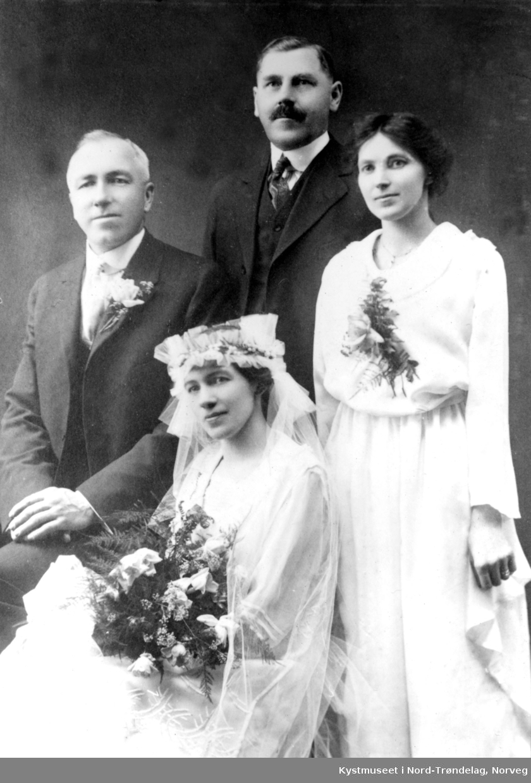 Brudebilde, fra venstre: Johan Haugland ellers ukjente