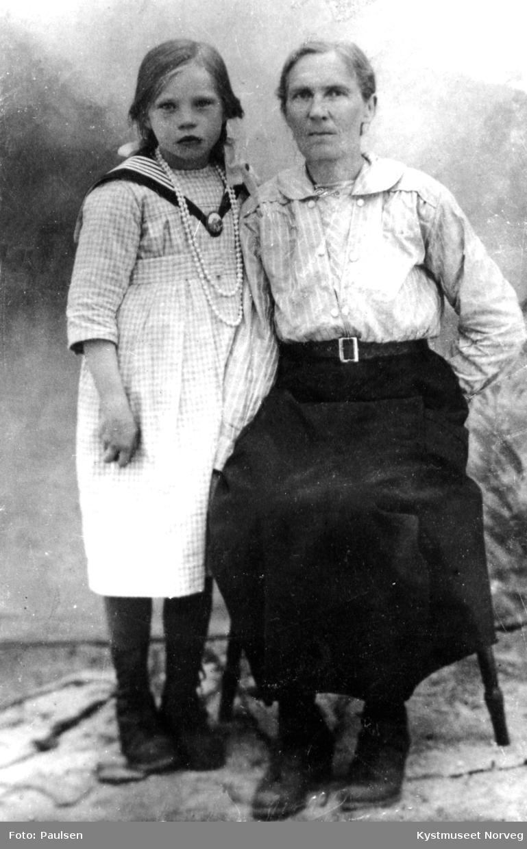 Embjørg Frelsøy Øvereng og Nikoline A. Lysø