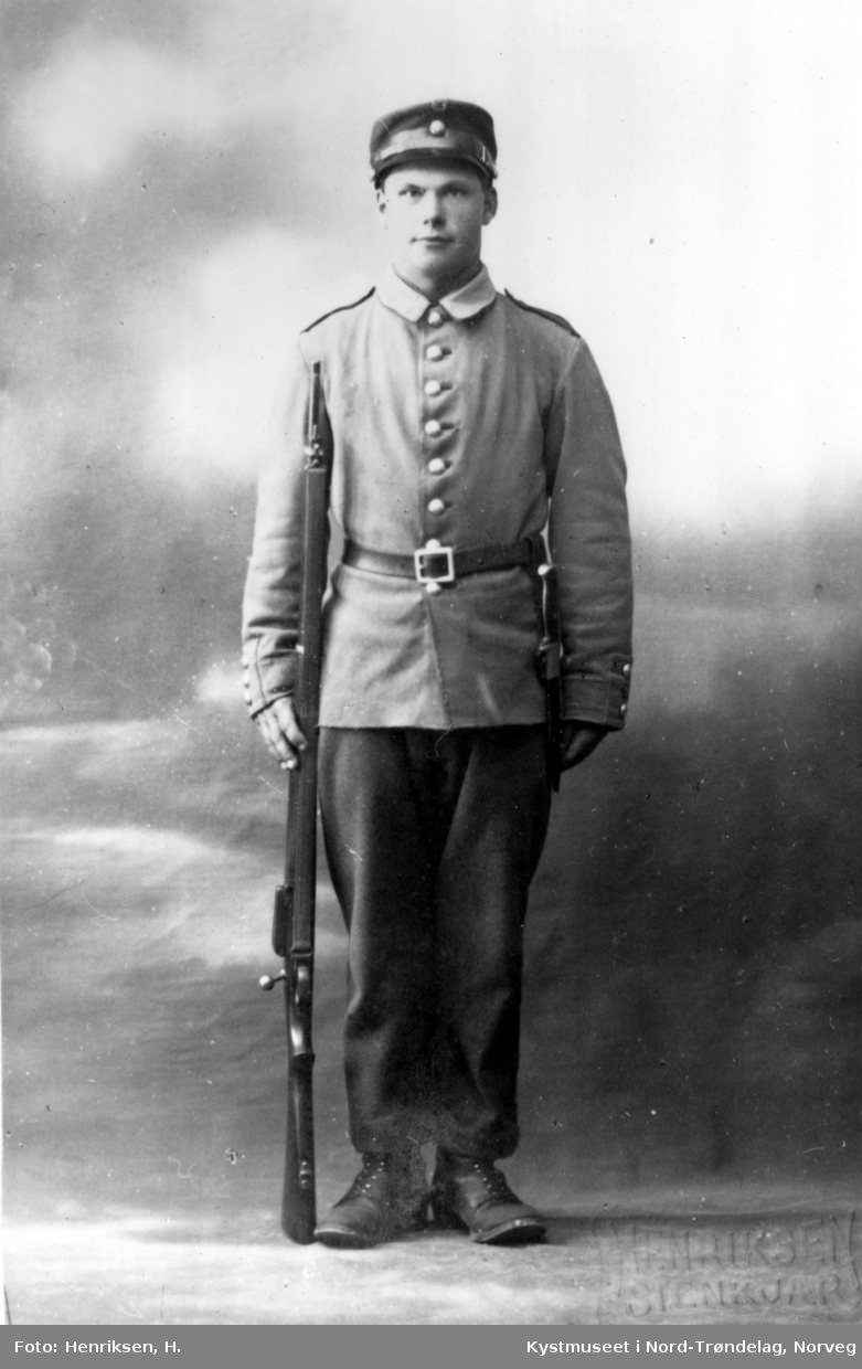 Alf Borgan i uniform