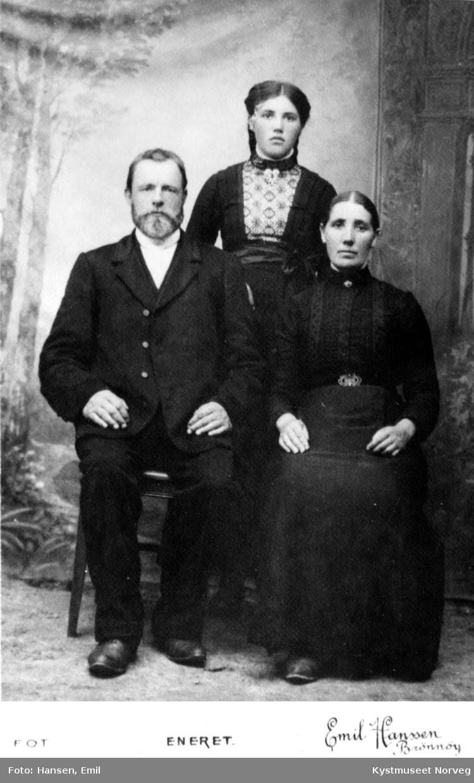 Otelius, kona Hansine og  datteren Jenny Torstad