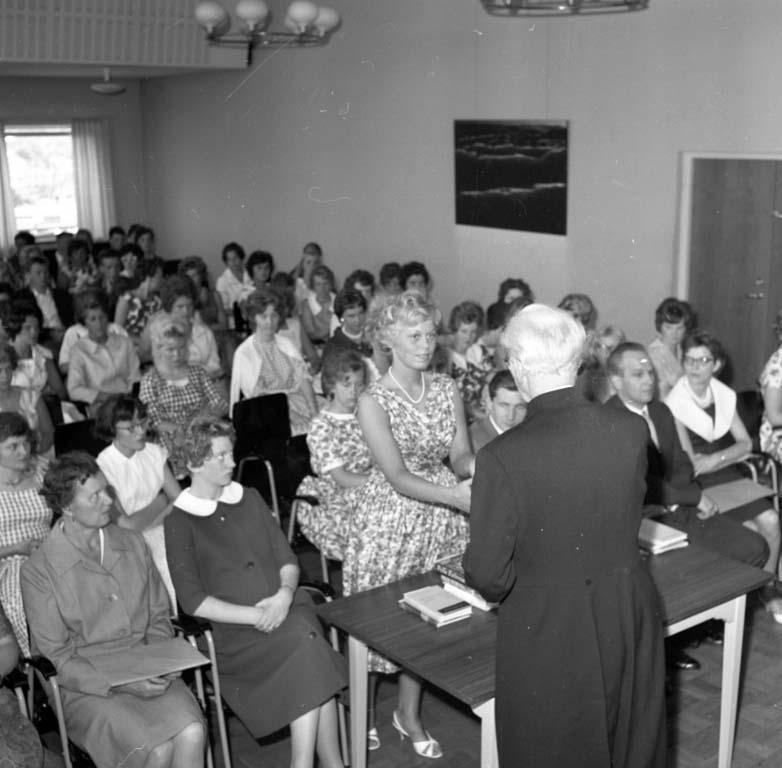 """Enligt notering: """"Uddevalla Yrkesskolor Avslutning Juni -60""""."""