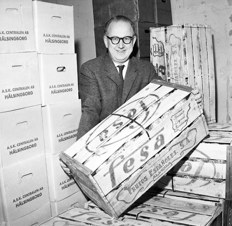 """Enligt notering: """"Alja Frukt Per Högberg dec 1960""""."""