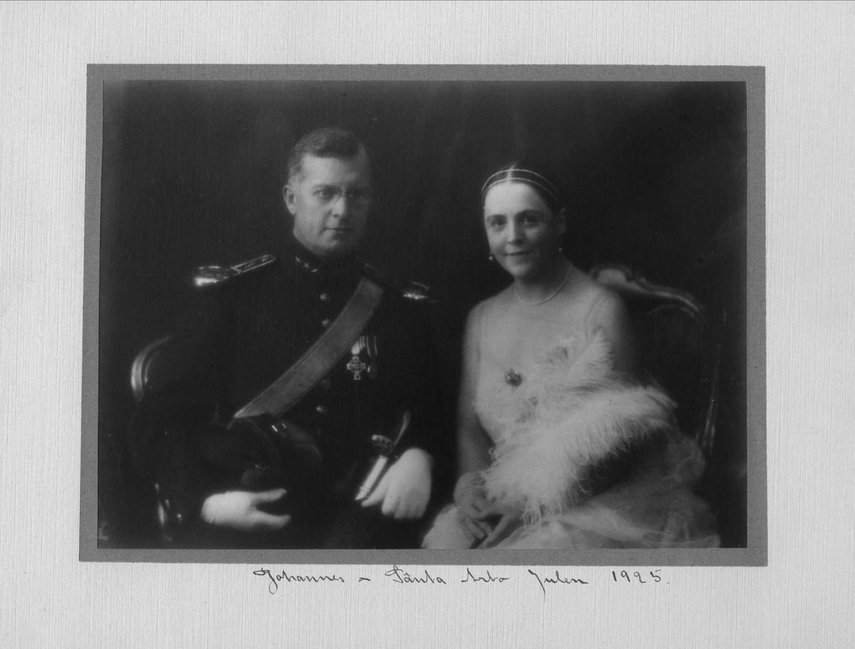 Mann, uniform, kvinne