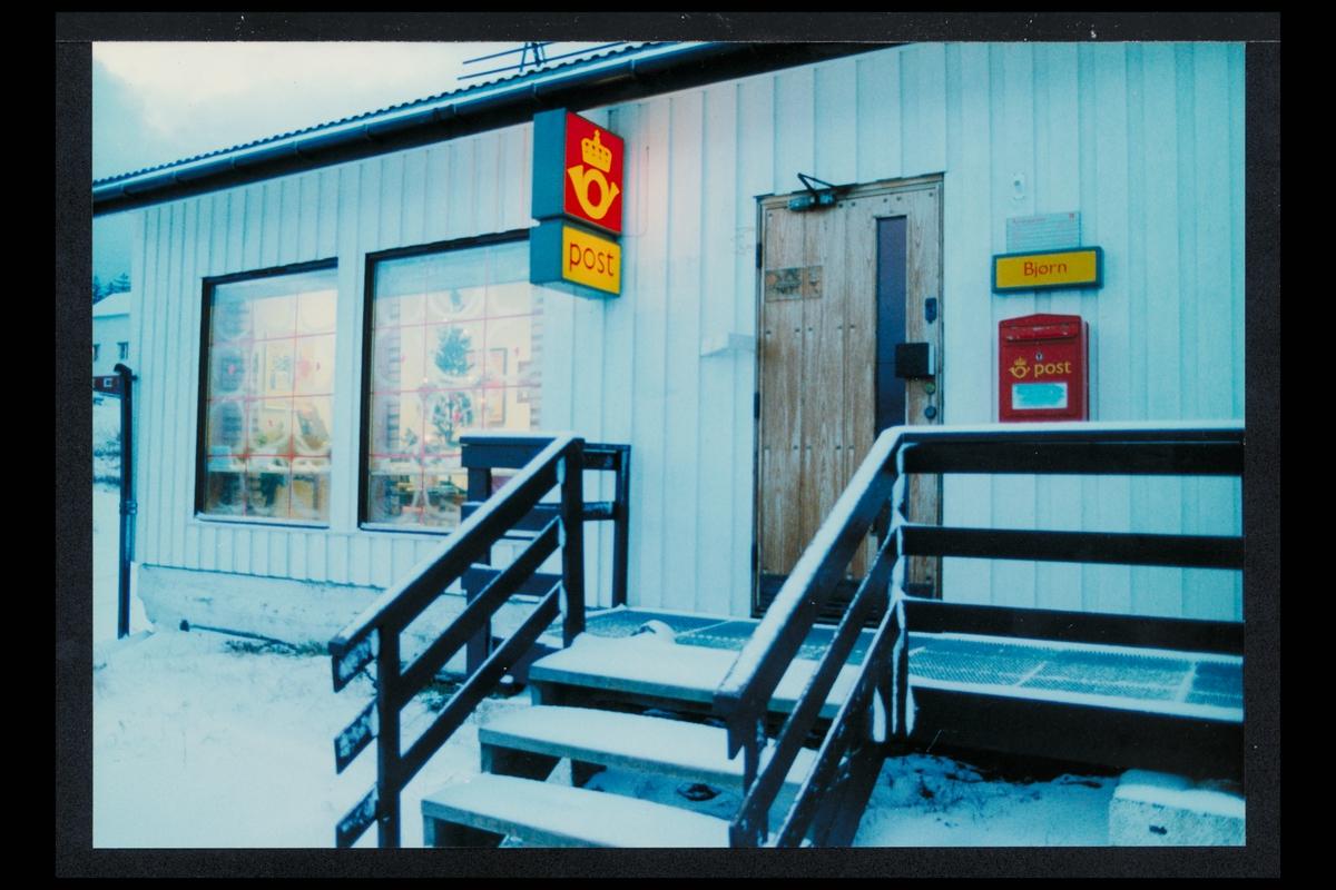 eksteriør, postkontor, 8810 Bjørn, Sandnessjøen, postkasse, postskilt