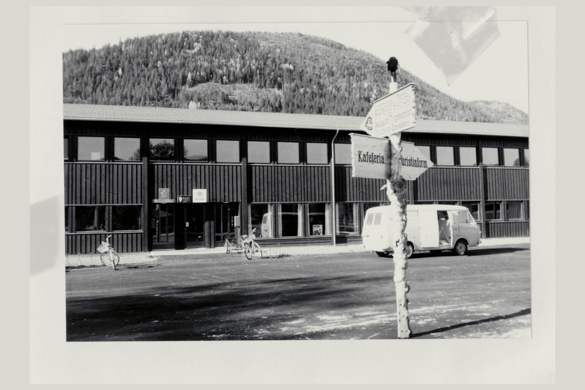 eksteriør, postkontor, 2530 Øvre Rendal, postskilt