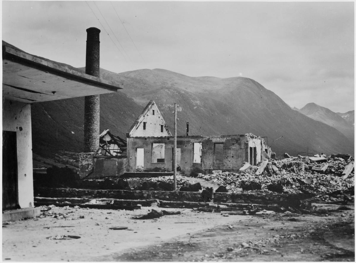 krigen, Åndalsnes, ruiner, ruin etter Åndalsnes meieri.