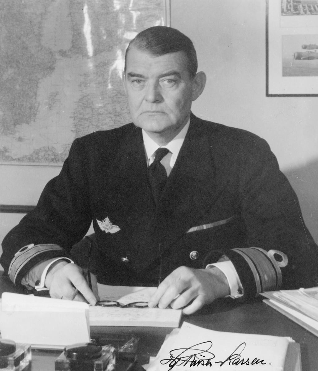 generalmajor, Hjalmar Riiser-Larsen, luftfart