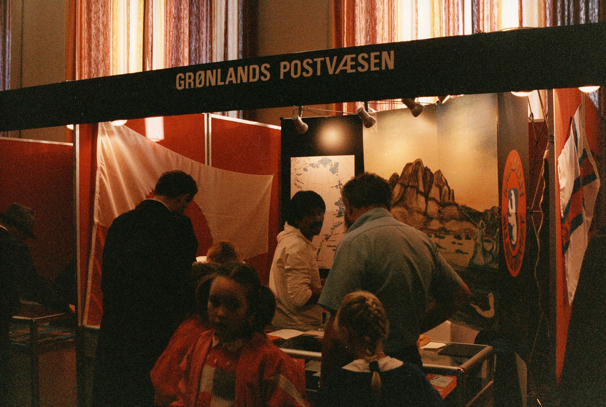 frimerkets dag, Oslo Rådhus, stands for Grønlands Postvæsen, ekspeditør, kunder