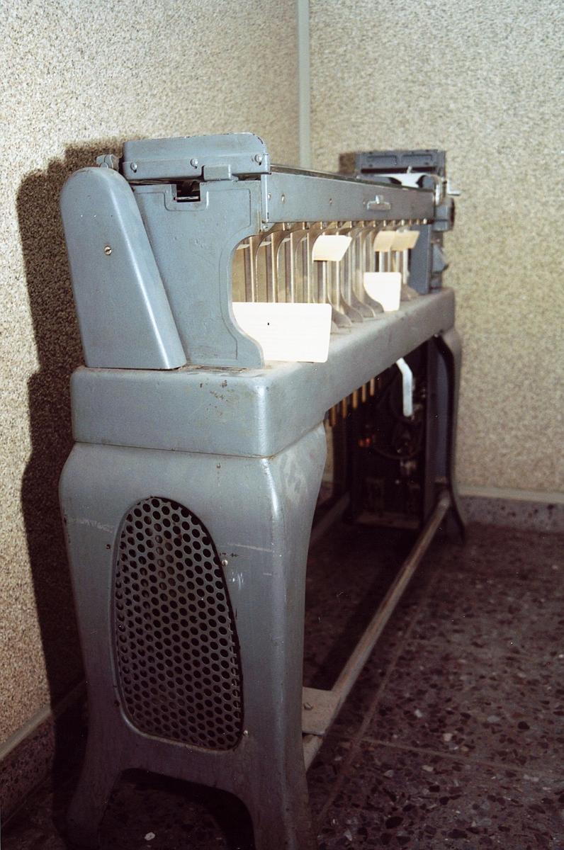 postgiro, Biskop Gunnerus g. 14, maskiner, hullkortsorteringsmaskin, IBM Card Sorting Machine, Typ 7080, sett fra siden