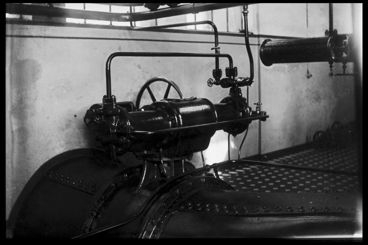 Arendal Fossekompani i begynnelsen av 1900-tallet CD merket 0470, Bilde: 24 Sted: Bøylefoss Beskrivelse: Maskinsal