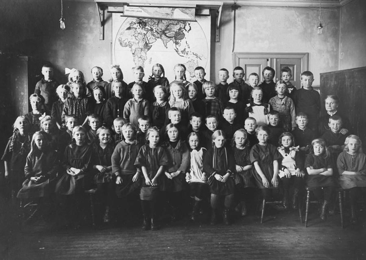 Skolebilde, Kontra skole. 2-3. klasse.