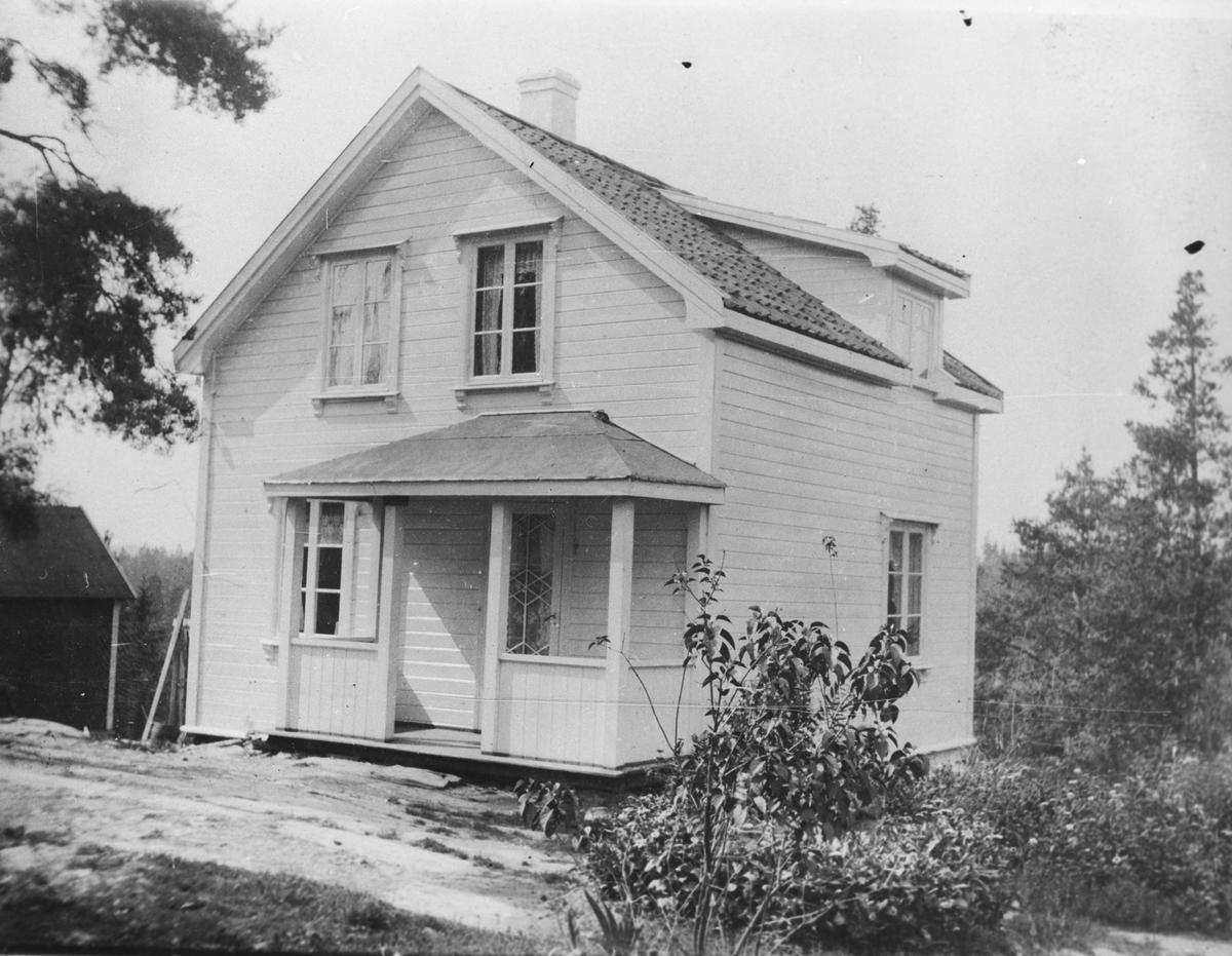 Enebolig, oppført 1916. sett fra nordøst