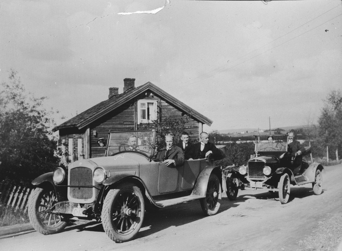 Representanter fra Akershus Vegvesen på befaring i bil