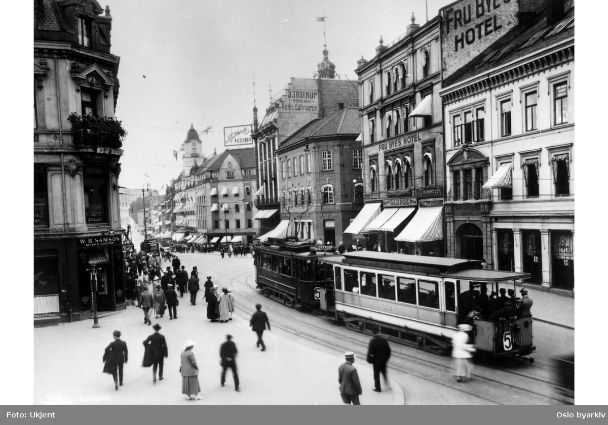 Kommunal HaWa-vogn, Kristiania Sporveisselskap etter 1905, Oslo sporveier etter 1924. Karl Johans gate ved Stortinget
