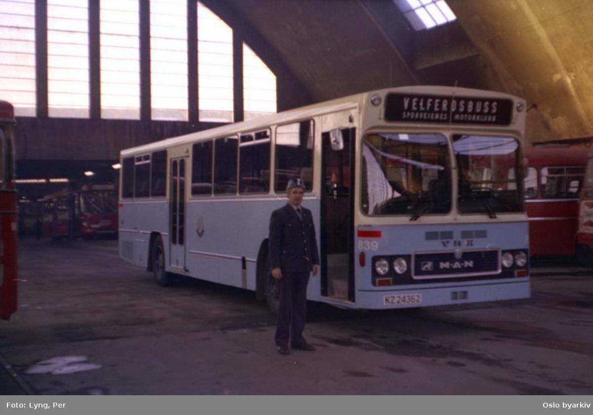 Oslo Sporveier. Buss 839 velferdbuss. Fotografert i Bjølsen Garasje.