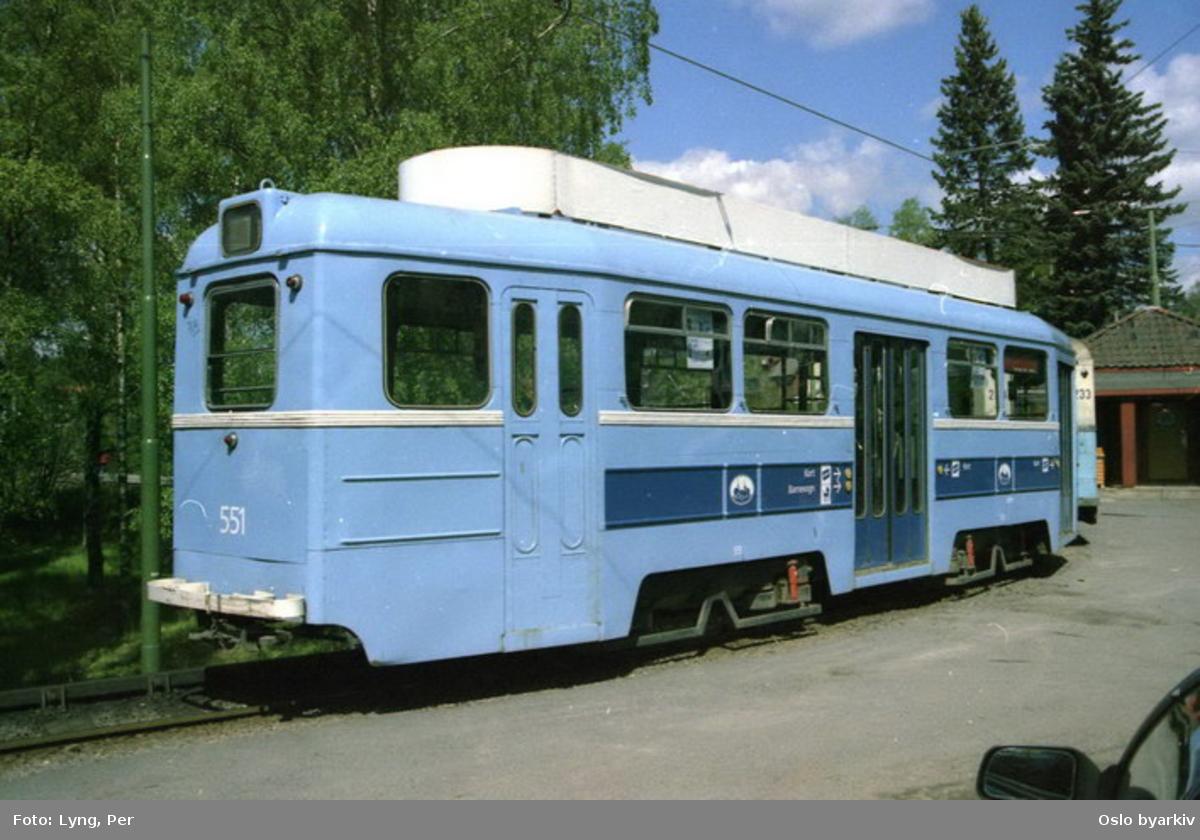 Oslo Sporveier. Ekebergbanen. Trikk tilhenger type TBO (ST55, ombygget til ubetjent vogn ) nr. 551 linje 9 ved endesløyfa på Ljabru.