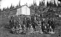 Samer ved vigsling av nykirka 1868-69..Eit av dei eldste bil