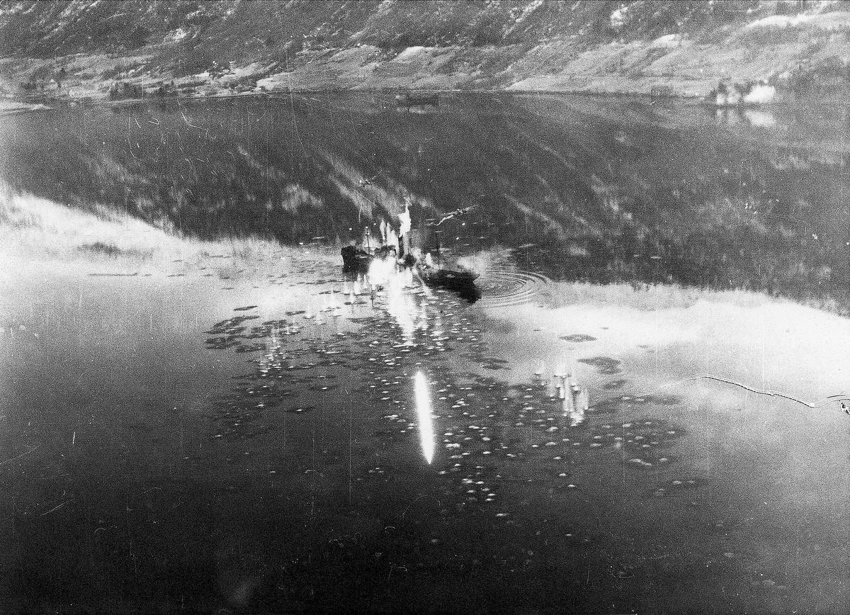 Banff Strike Wing angriper fiendtlige skip i Eidfjord, 12. desember 1944.