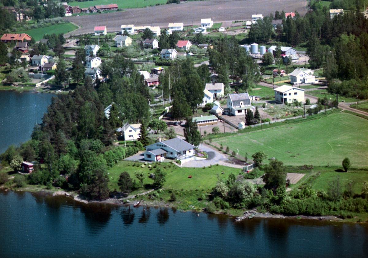 FLYFOTO FURUSTRAND, SANDVIKA. Furustrand er gnr 8 bnr 8 i Stange kommune.