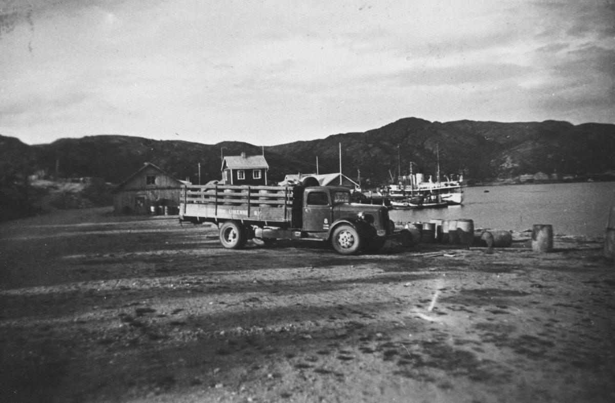 Lastebil. Fergeleie med båt. ca 1930-1950