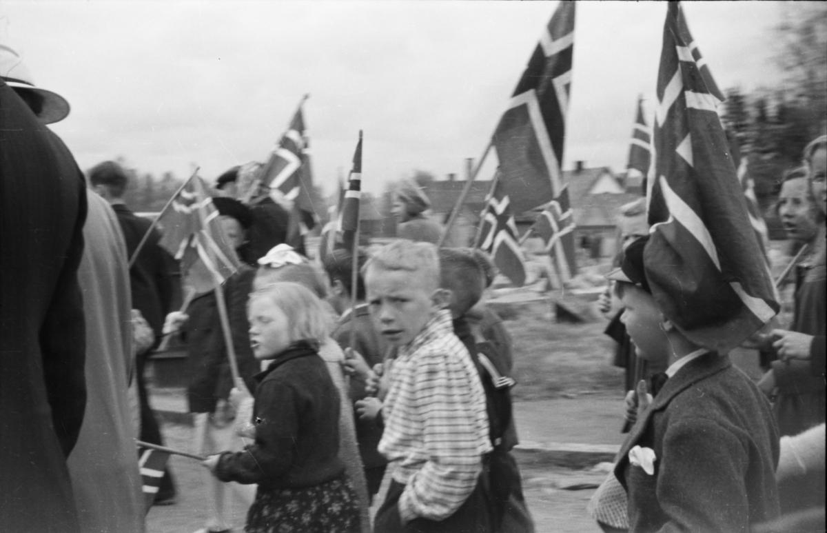 Barnetog 17. mai 1945