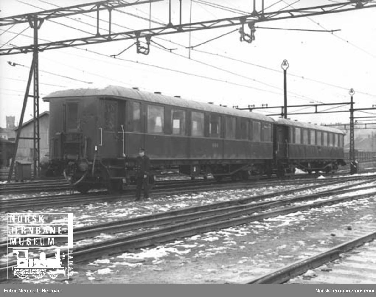 Personvogn litra Co3d nr. 452 og 450 til Hardangerbana