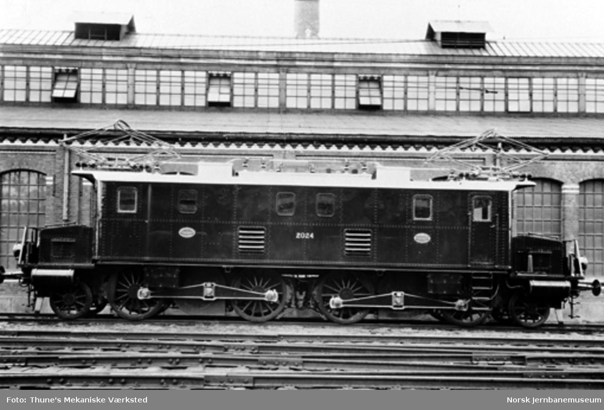 Leveransefoto av elektrisk lokomotiv El 2 nr. 2024