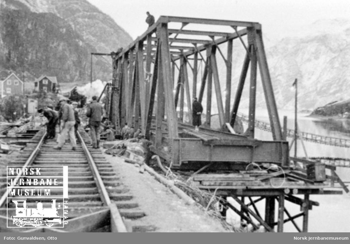 Montering av ny fagverksbru ved Stanghelle