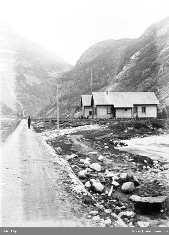 Bergensbanens anlegg; nyoppført brakke i Kårdal
