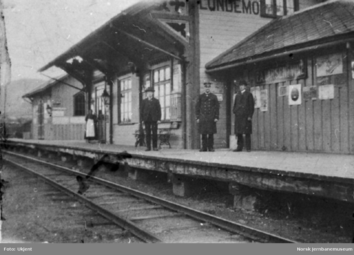 Lundamo stasjonsbygning