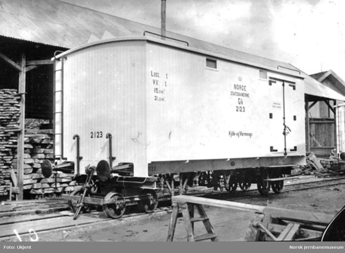 Kongsvingerbanens vogn litra Gk nr. 2123 på Skabo Jernbanevognfabrik