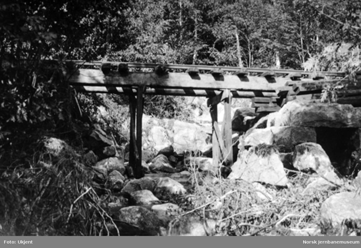 Provisorisk bru ved Lindlandsbekken etter flommen