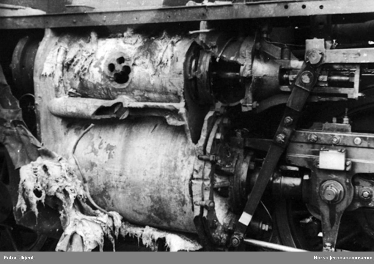 Kollisjon ved Frogner 26.8.1943 : skader på damplokomotiv type 24c nr. 405