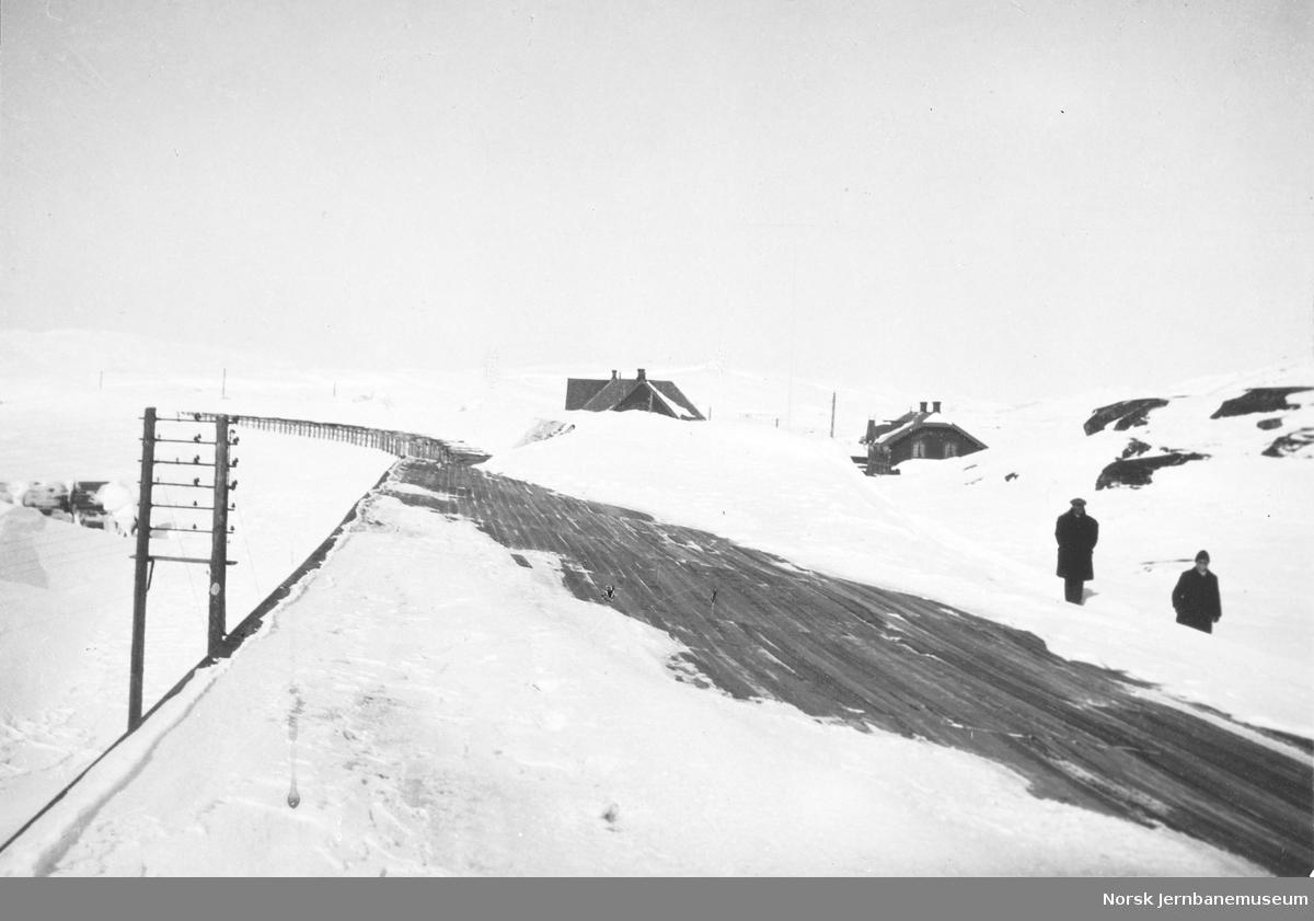 Skille mellom norsk og svensk snøoverbygg ved riksgrensen